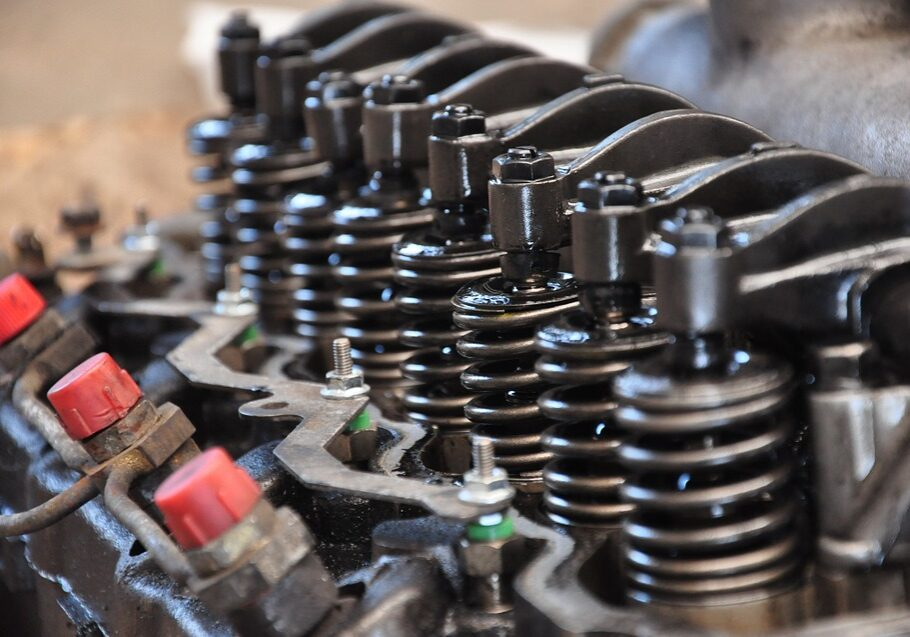 Cylinder Head with vci corrosion prevention engine oil additive
