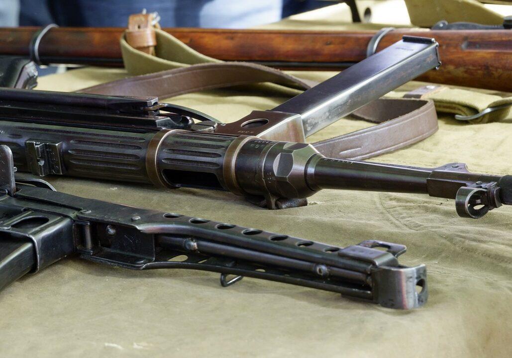 Machine guns lying on a table